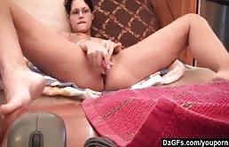 Squirting e orgasmo amatoriale per una gnocca