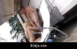 Sesso all'aperto con una bionda che ha voglia di cazzo maturo