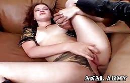 Mignotta accaldata penetrata hard da un cazzo grosso